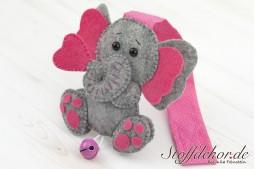 Elefantenbaby mit Glöckchen II